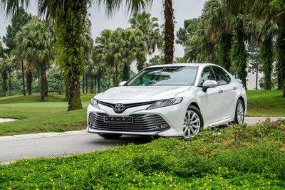Toyota Camry chỉ bán được241 xe, giảm mạnh so với376 xe đạt được hồi tháng 6. 1