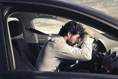 lái xe buồn ngủ