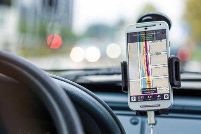 điện thoại trên ô tô