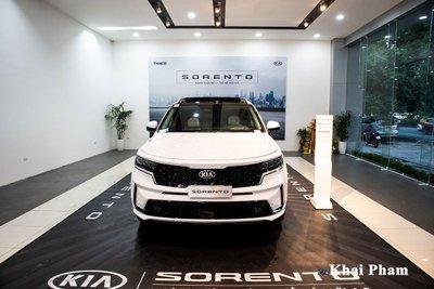 Trong tháng này khách hàng sẽ được giảm giá tới 100 triệu đồng khi mua Sorento.