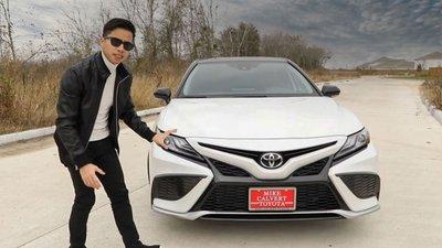 Người Việt đánh giá chi tiết Toyota Camry 2021 sắp về Việt Nam: Thể thao, tiện nghi hơn a2