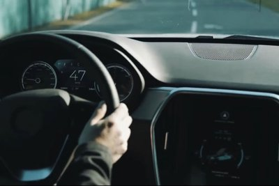 Video: Đây có thể là VinFast Lux SA phiên bản chạy điện đang thử nghiệm a3