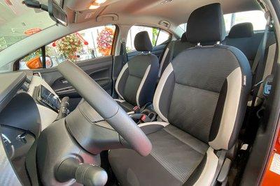 Ghế ngồi dạng Nỉ của Nissan Almera 2021.