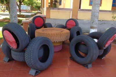 bàn ghế lốp xe