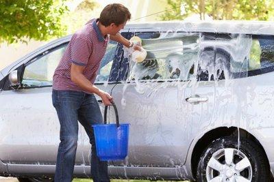cọ rửa xe ô tô