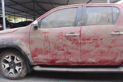 ô tô bẩn