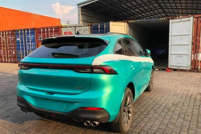 Phần đuôi xe Dongfeng T5 Evo khiến không ít người nghĩ tới Porsche.