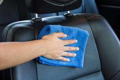 vệ sinh ghế xe ô tô