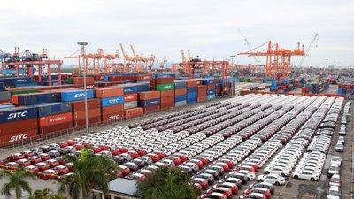 Ô tô nhập khẩu về nước thưa dần do ảnh hưởng dịch Covid 1