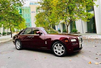 """Rolls-Royce Ghost 2011 đã được một showroom nhân tại Hà Nội chào bán với mức giá khá """"hời"""" trên sàn xe cũ"""