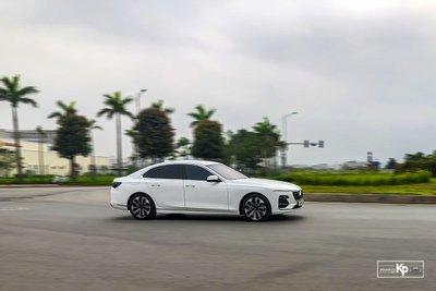 Ưu nhược điểm xe VinFast Lux A2.0 2021 a6