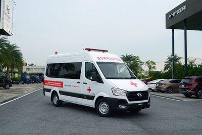phiên bản xe Solati cứu thương có thể nói là mẫu xe cứu thương to lớn và rộng rãi nhất thị trường