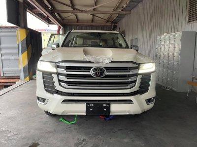 Toyota Land Cruiser 2022 nhập Trung Đông đầu tiên về Việt Nam, nhiều trang bị hơn xe chính hãng a2