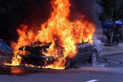 cháy nổ ô tô
